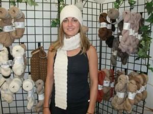 Alpaca-scarf-hat-set_tn-300x225